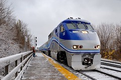 Yep, winter has begun (Michael Berry Railfan) Tags: amt agencemtropolitainedetransport emd gmd f59phi passengertrain train commutertrain montreal quebec winter snow amt86 amt1330