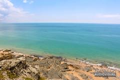 Beach Skyline (CH-Romain) Tags: normandie normandy sea mer beach plage sable falaise vue view ciel sky bleu vert france ouest cote west coast horizon rocher pierre