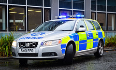 SN61FFO (firepicx) Tags: police scotland roads policing unit divisional traffic livingston volvo v70 t6 petrol blue lights sirens emergency 999 scottish uk car sn61ffo