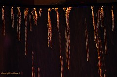 Dachrinne * Roof gutter * Canaln *    .  DSC_6587-002 (maya.walti HK) Tags: 051216 2012 agua copyrightbymayawaltihk flickr licht light lluvia luz nikond3000 rain regen wasser water