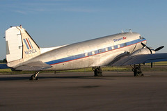 N105CA | Desert Air | Douglas DC-3 | Columbus-Rickenbacker (LCK/KLCK) (James Mellon - AviaColour) Tags: columbus desert aircraft air company douglas dc3 rickenbacker n105ca