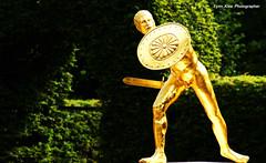 hannover | hannover gardens (Fynn Klee) Tags: gardens gold outdoor parks plate hannover sword horticulture sculptures gladiator herrenhausengardens sonydslra350 goldenfighters