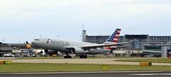 _MG_0547 American N283AY (M0JRA) Tags: manchester flying airport aircraft jets american planes n283ay