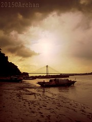 Second Hooghly Bridge নদীর এপার কহে ছাড়িয়া নিঃশ্বাস,ওপারেতে সর্ব সুখ আমার বিশ্বাস. (Dr. Dynamic) Tags: bridge sepia river boat kolkata ghat 2ndhooglybridge princepghat jagriti theganges secondhooghlybridge kolkatadiaries