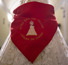Bajada de la Virgen del Villar 2015 _ 38 (Iglesia en Valladolid) Tags: ermita devocin lagunadeduero religiosidadpopular besamano virgendelvillar piedadpopular nuestraseoradelvillar