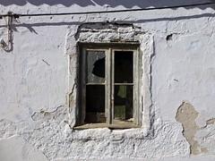Ventana de Odeceixe (John LaMotte) Tags: ventana window janela fachada fenêtre infinitexposure algarve odeceixe portugal ilustrarportugal