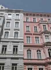 Vienna - Grey & Pink (zorro1945) Tags: vienna wien austria oesterreich europe europa grey pink apartments windows contrast
