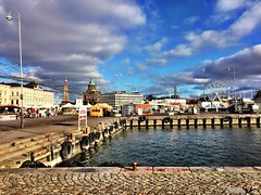 Helsinki, harbour, sea and sun  (starsinheavenaline) Tags: weddingtravel viaggiodinozze lights luci arrivo partenza traghetto ruotapanoramica porto mare autumn autunno freddo sole nuvole ottobre october clouds cloud ice cold water blusky sky sun sea harbour helsinki