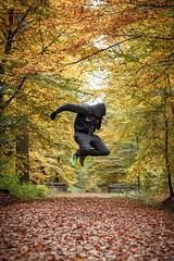 Autumn (Auto-Fokus Fotografie) Tags: herbst autumn tornesch wohl wald forest wood laub bltter nb newbalance green jogging anzug jogger canon 50mm stm 18 mischwald sh schleswigholstein selbstportrait portrait geil kalt handschuhe schoes baumstmme holz ich me waldweg germany november