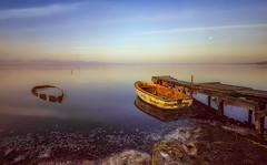 Paso del tiempo (Toni_pb) Tags: deltebre deltadelebro nikon d810 1424 f28 nikkor landscape paisaje embarcadero pier amanecer nubes cloud boat nwn