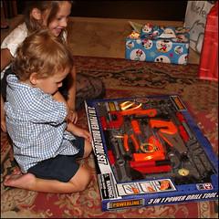 I regali (Maulamb) Tags: giocattoli compleanno regali