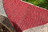 _DSC6001 (KateSi) Tags: tejer tejido tricot tricoter tricotage knitting knit strikke strikking lace semiprecious knitty sjal shawl châle chal blonde encaje red rojo rouge rød