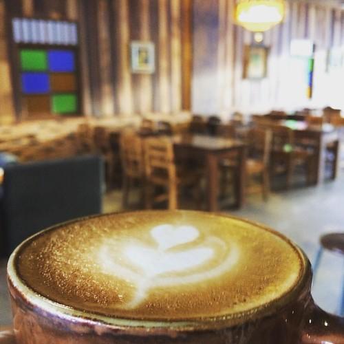 #coffee #coffeeshop #coffe #coffeetime #coffeelover #coffeebreak #coffeegram #coffeelove #coffeeart #coffeelife #coffeebreak #coffeelovers #coffeeshesh #positiveenergy #cm #cnx #chiangmai #northern #th #thailand #waweecoffee #wawee
