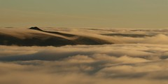 Win Hill (Derbyshire Harrier) Tags: mist fog 2016 hopevalley derbyshire november peakdistrict peakpark darkpeak winter morning layers waves inversion winhill