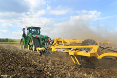 BEDNAR FMT TERRALAND DO 5000 Combined Chisel Plough (martin_king.photo) Tags: bednar field day 2016 johndeere john deere 9620rx 9rx bednarfmtterralanddo5000 bednarfmt farmmachinery martin king photo agriculture machinery machines tschechische republik weather powerfull martinkingphoto hugemachine great landwirt landwirtschaft farmlife land machinerylovers weloveagriculture strompraha