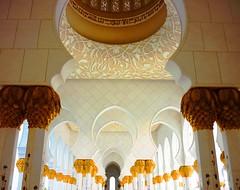 Sheikh Zayed Mosque (inside1), Abu Dhabi /    (1), - (Irina.yaNeya) Tags: sheikhzayedmosque sheikh zayed mosque abudhabi uae architecture columns inside mezquitasheikhzayed mezquita abudabi columnas arquitectura eau dentro
