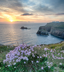 Cornwall - May bank hol_109.jpg (r_lizzimore) Tags: seascape landsend cornwall uk sea
