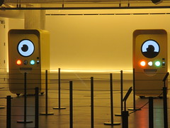 Snapchat Spectacles pop up store 2016 NYC 8443 (Brechtbug) Tags: snapchat spectacles pop up store popup stores midtown manhattan nyc 2016 december glasses techno tech 13000 bucks from two vending machines yellow minion cyclops eye ball eyeball animation robot east 60th street near 5th avenue across mac st ave new york city