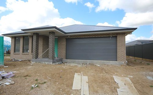 37 Yallambi Street, Picton NSW 2571