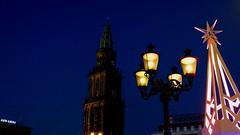 GRONINGEN, THE NETHERLANDS (pwitterholt) Tags: martinitoren martinikerk bluehour blue groningen grotemarkt lamp verlichting light star ster sony sonycybershot sonyhx400