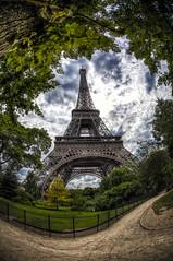 Tour Eiffel - Eiffel Tower (sylvain.landry) Tags: paris france canon photography eos photo photographer photographie eiffeltower eiffel toureiffel trocadero iledefrance landry photographe 5dmarkiii sylvainlandry wwwsylvainlandrycom