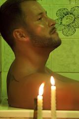 Jef in the Bathroom (tim_asato) Tags: portrait man hot sexy male men verde green beard bathroom model retrato handsome hunk modelo bathtub truk guapo velas baño baba hombre candels bañera beardedmen masculino timasato jeffagnard
