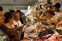 Y LUEGO DICEN QUE EL PESCADO ES CARO ... (bacasr) Tags: people españa fish shopping stand gente market mercado popular cádiz fishmarket sanlucardebarrameda sanlucar comprando puesto
