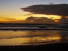 Golden Sea (carlinhos75) Tags: sea sky praia beach clouds mar nikon playa cielo nubes puestadesol pontevedra anochecer dorado ogrove p5000 alanzada