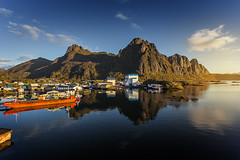 Svolvr, Lofoten (cpphotofinish) Tags: ocean blue autumn light sunset sky panorama mountain color colour reflection fall water weather norway clouds canon landscape outside island eos daylight norge photo reflex day skies foto bright image harbour outdoor n panoramic norwegian nordic dslr scandinavia canondslr lofoten havn bilder vann bluelight skyer kaia hst hurtigruten landskap bilde svolvr norske farger mk3 nordland skandinavia svinya f4l canonef ef1740mmf4lusm carstenpedersen canonmkiii mklll canon5dmk3 eos5dmk3 verdensvakrestesjreise cpphotofinish canonredlable