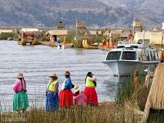 Titicacasee - Uro auf den schwimmenden Inseln (Claudia L aus B) Tags: peru urosislands amerika 2015 sdamerika titicacasee claudialeverentz