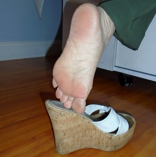 Mature Soles and Feet (Candid)
