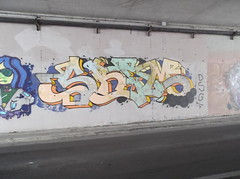 404 (en-ri) Tags: muro wall writing graffiti pisa giallo dsg stellina sbam indaco