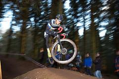 Cyclocross (Pepe Nietnagel) Tags: light canon deutschland is jump flash l 5d usm blitz ef f4 cyclocross metz bicyle rheinlandpfalz 1635 radrennen 2015 bdr radsport 5dmk3 5dmark3 trassem