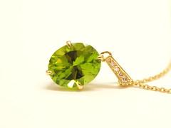 ペリドットのペンダント Peridot Pendant (jewelrycraft.kokura) Tags: diamond peridot ペリドット イエローゴールド