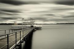 departure (liebeslakritze) Tags: kiel kielerfrde kielfjord ostsee balticsea wharf anleger fhre ferry timeexposure langzeitbelichtung abfahrt departure abdafr