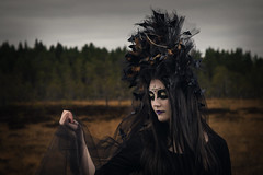 Klara (FA) (RobT4L) Tags: canon canon7dmarkii canon7dmark2 canon24105 fineart makeup portrait portrtt sweden ume nature scary black flash yongnuo fashion forest fairytale explore butterfly autumn leafs norrland north blackwidow ghost whoruntheworldgirls queen forestqueen photography