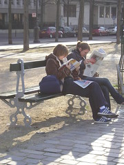 Ouderwets (Merodema Books &c) Tags: lezen lesen read reading bnk penkki bank banc bench bekkur banco bankje parkbench fff sitte legere lire lectio lamh legadon lze citanje lieverlezend