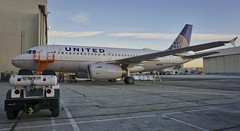 United Airlines Airbus 319 N818UA SFO. 2016. (planepics43) Tags: unitedairlines airport airbus n818ua sanfranciscoairport sfo sfoov maintenance 747 787 737 757 767 727 777 320 380 engine 319 southwestairlines americanairlines deltaairlines mechanic pilot flightattendant weather landing lufthansa germany