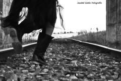 Mery Smith (Jezabel Galn) Tags: vas tren piedras shoes pies escapar correr woman mujer dark shadow sombras oscuridad
