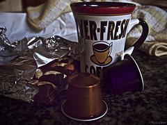 Tranquilo, maana ser otro da (Luicabe) Tags: alimento cabello cafe chocolate cocina comida enazamorado interior luicabe luis tableta taza yarat1