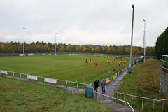 Blidworth Welfare (nonleaguepap) Tags: blidworth welfare fa vase afc mansfield green grass pitch non league football nottinghamshire derby red blue yellow shirts shorts boots
