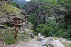Auf dem Goldrainer Panoramaweg (uwelino) Tags: italien italy sdtirol alpen alps altoadige adventure wandern 2016 sommer vinschgau latsch goldrain hhenweg wegweiser