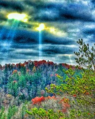 Heavenly light shines down on @redrivergorgeky lighting up the remnants of fall #roadtrip #kytourism #naturephotography #iphonephotography #fallcolors2016 #backroads