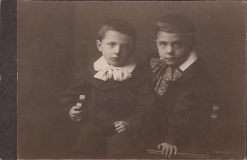 Johannes & Walter Tokarski by Hettie Schüssler (c.1905)