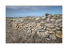 Mur en pierre breton (Finistère) (SiouXie's) Tags: color wall brittany fuji bretagne fujifilm 1855 mur finistère argenton siouxies fujixe2