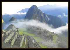 MACHU PICHU EN LA NIEBLA - PANO 4 FOTOS VERTICALES (MONTXO-DONOSTIA) Tags: paisajes holiday peru machu pichu viajes panoramicas vacaciones niebla landascape bidaiak
