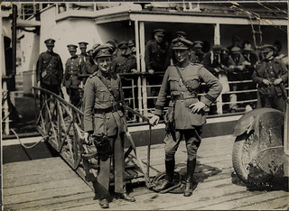 Major General Ennis (with Thompson gun) and Comdt. McCreagh or McCrea