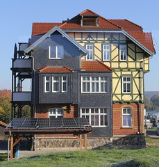 (:Linda:) Tags: germany town balcony thuringia halftimbered hildburghausen slateshingled