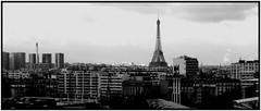 Paris outragé, Paris brisé, Paris martyrisé .... (gueguette80 ... Définitivement non voyant) Tags: paris france novembre tour eiffel guerre 2015 terrorisme