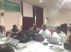 DRC team in group discussion (IITA Image Library) Tags: planning nigeria meetings participants cassava abuja manihotesculenta sardscproject